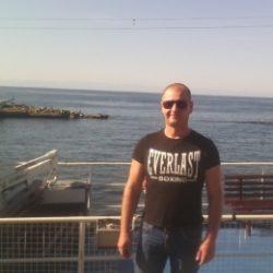 Парень ищу девушку для интима в Пятигорске.