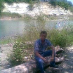 Я парень. Ищу девушку или замужнюю женщину для взаимной мастурбации в Пятигорске